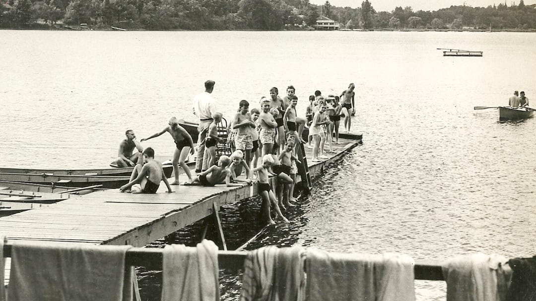 Historical photo of Awosting campers on dock